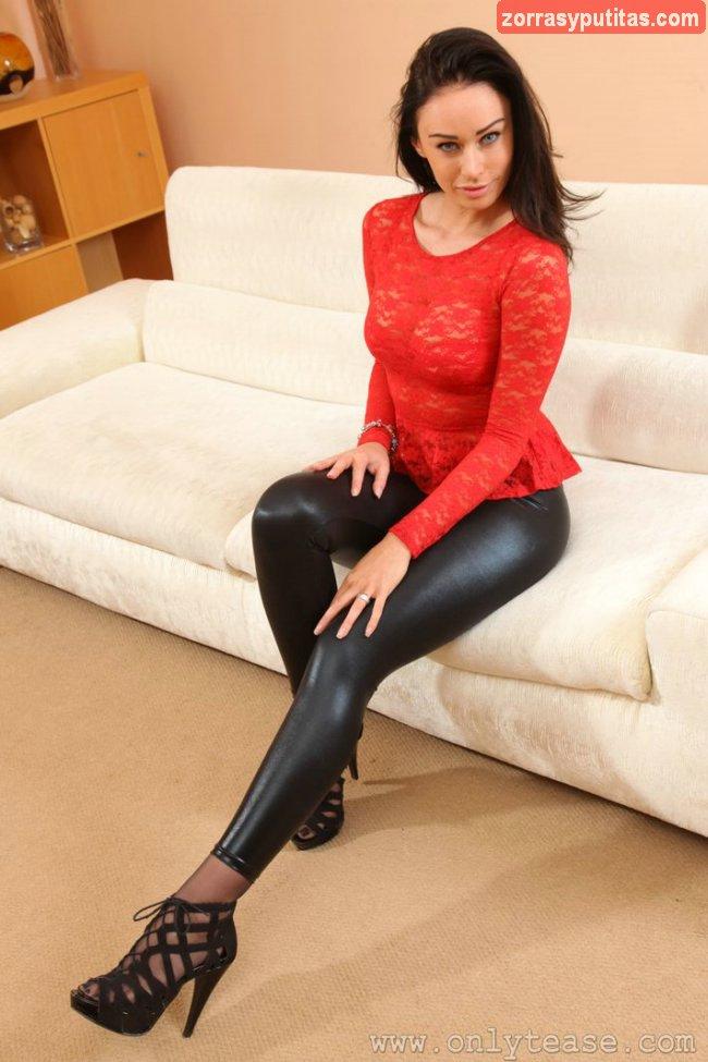 Pantalones ajustados a tope y culazo de escándalo - foto 4