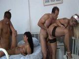 Orgía con las enfermeras más tetonas