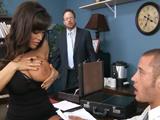La reunión de trabajo acaba en sexo duro - Video de Maduras Milf