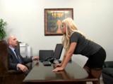 La reunión con mi jefe acaba se sexo siempre