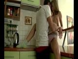 Nos ponemos a follar en la cocina - Video de Amateur