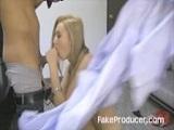 Rubia amateur mamando polla - Video de Rubias