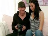 Morena veinteañera se tira a su nuevo novio - Video de Jovencitas