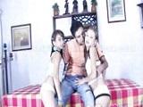Jóvenes peruanas compartiendo polla - Video de Trios X