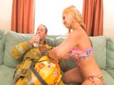 El vecino bombero viene a casa y me folla - Video de Casadas Infieles