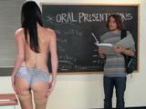 Vaya polvazo tiene la profesora cuarentona