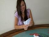 Apostó unas ricas pajas jugando al póker