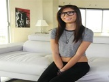 Kimberly Costa graba su primero vídeo porno - Video de Tetas Pequeñas