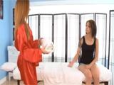 Follada lésbica en la sala de masajes: qué morbo