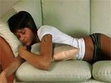 Despierta a su novia para pegarle una follada