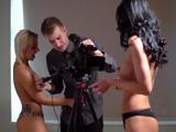 Las modelos se follan al fotógrafo - Video de Trios X