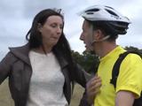 Repone fuerzas en casa de la madurita - Video de Casadas Infieles