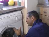 Vaya polvazo le ofrece al fontanero - Video de Casadas Infieles