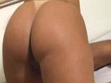 Partiendo el culo a esta latina tan caliente - Video de Culos