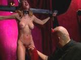 Zorrita sumisa soportando los deseos de su amo - Video de Sado Dominacion