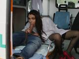 Valentina Nappi es una enfermera especial - Video de Actrices Porno