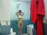 Pillada en la ducha con una cámara oculta