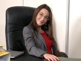 Primera reunión, primera follada a la jefa - Video de Porno XXX