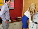 Conoce a fondo a la nueva secretaria - Video de Rubias