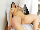 Gorda tetona pasando la revisión ginecológica