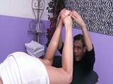 Aprovechó el calentón del masajista - Video de Folladas Anales