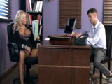 La profesora pone su coño en bandeja - Video de Maduras Milf
