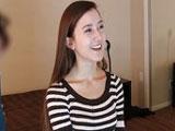 Jovencita se corre haciendo squirting - Video de Jovencitas
