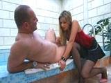 La masajista rusa sabe satisfacer a los clientes