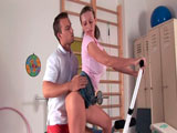 Quiere sexo de su entrenador personal - Video de Putas Cerdas