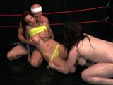 Queman calorías en el ring con un trío