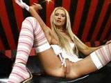 La maciza Lisa Rose se masturba en directo - Video de Masturbaciones
