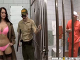 Pagando en prisión tambien hay putas !!