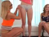 No tengas vergüenza de nuestros coños, no muerden - Video de Orgias Porno