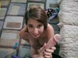 Inocente jovencita no sabe lo que se va a meter - Video de Putas Cerdas