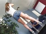 Striptease y follada para una entrevista