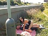 Follada por un desconocido en la carretera