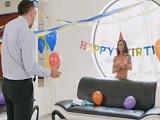 Una buena zorra como regalo de cumpleaños - Video de Maduras Milf