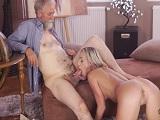 Incesto porno con su joven nieta