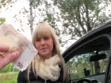 Acepta dinero de un desconocido para follar - Video de Rubias