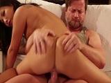 Asa Akira llega a casa con ganas de sexo.. - Video de Asiaticas