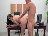 Sexo en el despacho con la secretaria..
