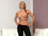 Impresionante rubia en una audición porno - Video de Rubias