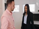 Como está la agente inmobiliaria.. - Video de Morenas