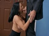 Sexo con la secretaria en el despacho..