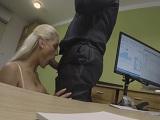 Tiene sexo en la entrevista de trabajo.. - Video de Rubias