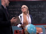 Veinteañera tonteando con su profesor.. - Video de Jovencitas