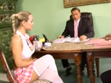 Alumna novata recién llegada al internado - Video de Rubias