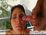 Tratamiento facial para la morena Simona