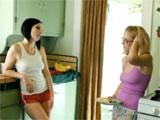 Dos hermanas putas se lo montan juntas - Video de Lesbianas