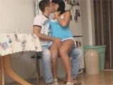 Le meto mano a mi hermana en la cocina - Video de Morenas